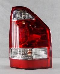 Фонарь правый красный Две белые полосы Паджеро-III 03-07 MB4040611R