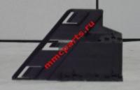 Кронштейн фары правый паджеро-iv 07- mb4250615r